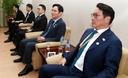 [조선사설] 남북 정상회담 주변의 이상한 풍경들