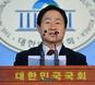 '작은 거인' 주광덕의 적시타… '盧 금품수수 의혹' 다시 끄집다